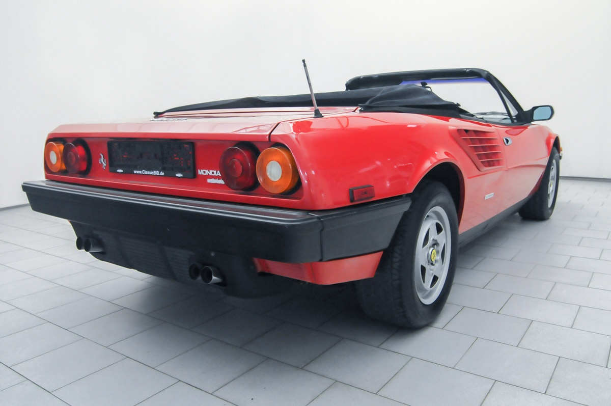 ferrari mondial qv cabrio classicbid. Black Bedroom Furniture Sets. Home Design Ideas