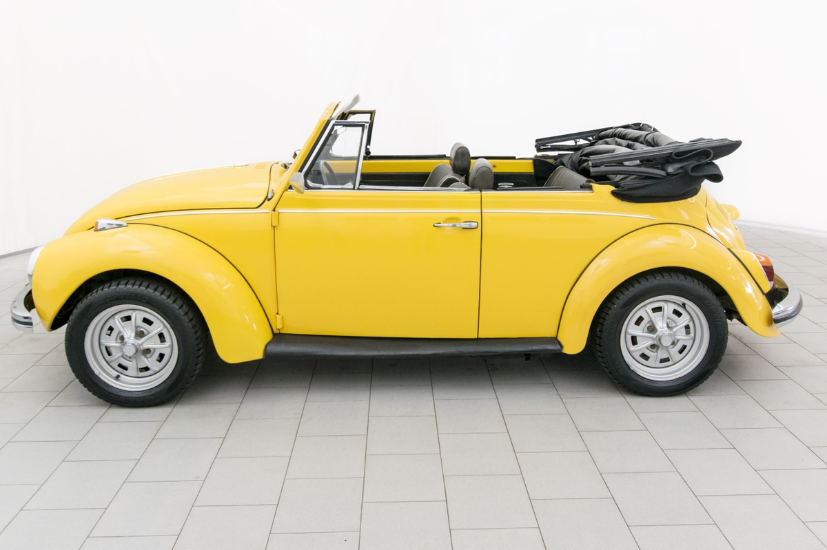 volkswagen k fer 1302 convertible classicbid. Black Bedroom Furniture Sets. Home Design Ideas