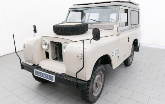 Rover Land Rover 88 (Series IIa)
