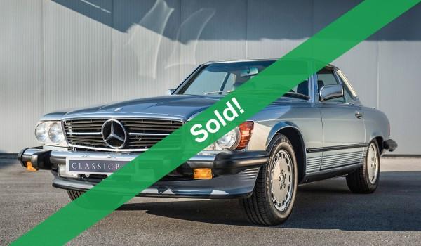 Mercedes benz 560 sl classicbid for Mercedes benz target market